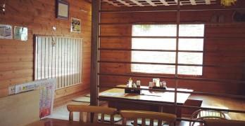 @沖縄料理と沖縄そば・泡盛の店『美ら花』名護店, いい雰囲気な