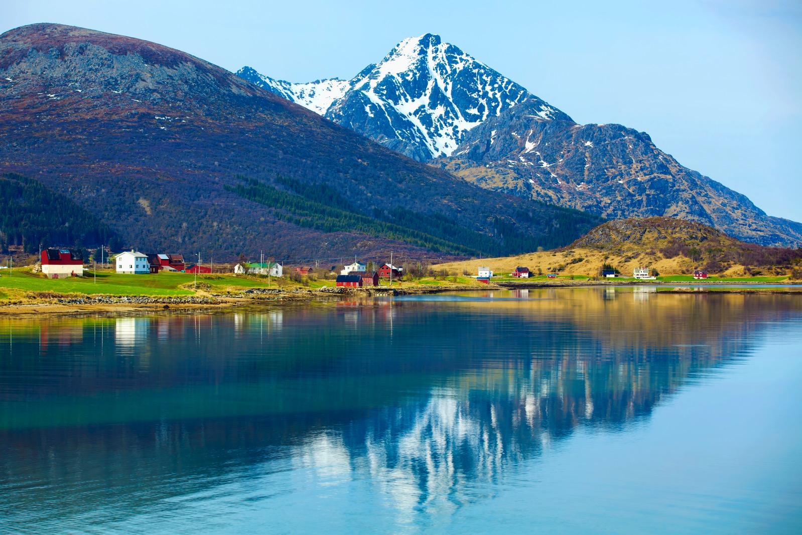 Norwegian fjord PSRJ46T